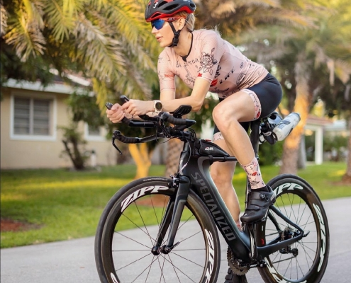Nadezhda Pavlova on bike in new ladies cycling kit